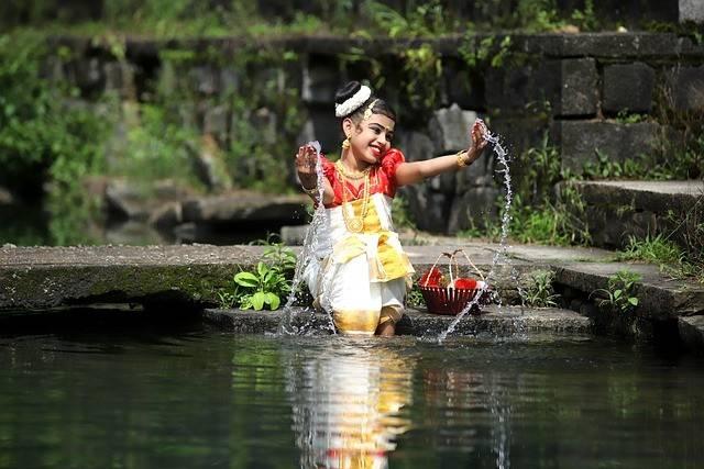Girl River Indian Play Splash  - lotusdigitals6 / Pixabay diversity of indian culture
