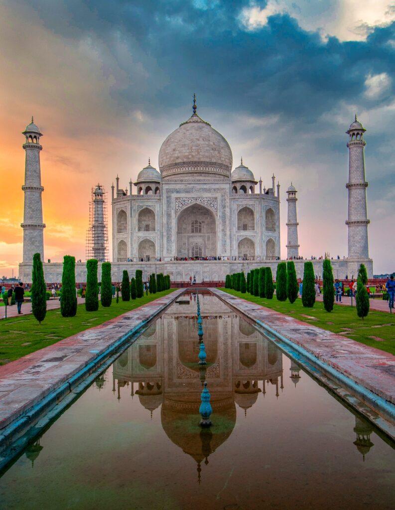 Taj Mahal Taj Building Facade  - suvodeepmazumder / Pixabay diversity of indian culture