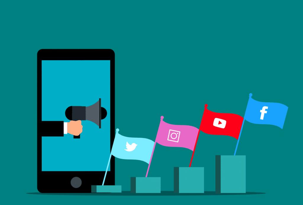 Social Media Marketing Facebook  - mohamed_hassan / Pixabay
